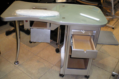 MD2 - Manicure Table